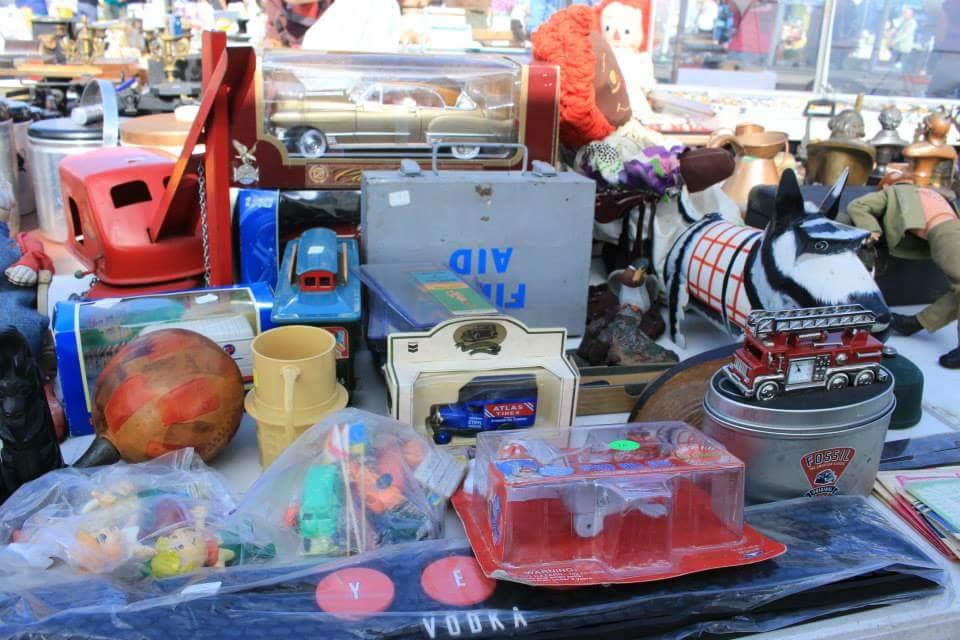 掘り出し物が見つかる ロサンゼルスのマーケット