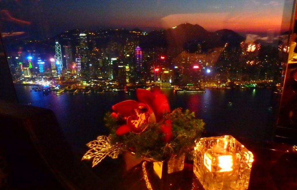 香港リッツカールトン クリスマス 100万ドルの夜景