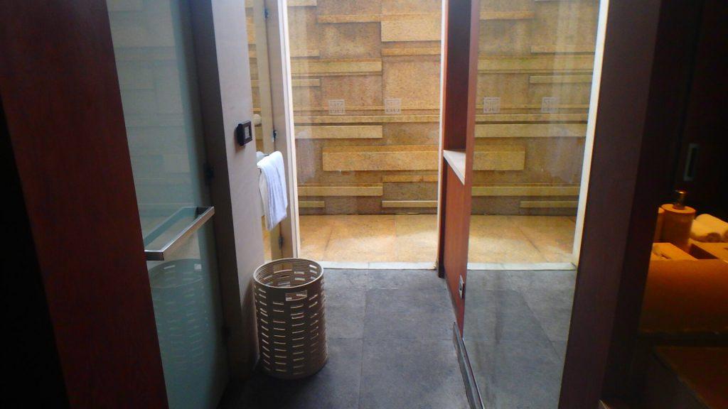 ハイアットリージェンシーダナンのスパ シャワー&トイレ