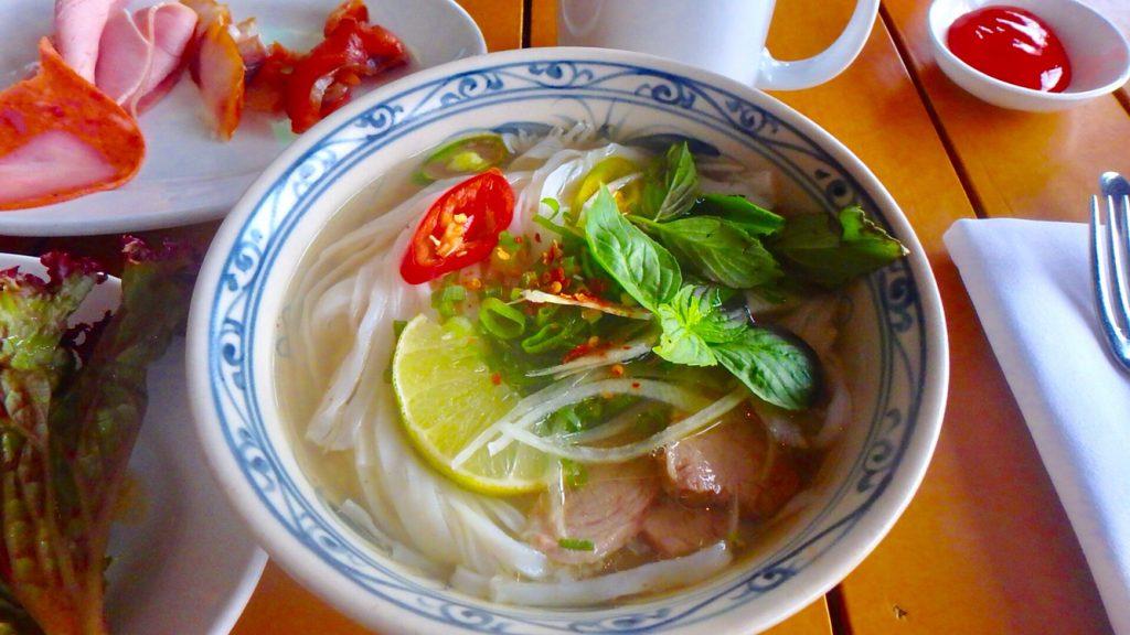 ダナン リージェンシークラブ 朝食のベトナムフォー