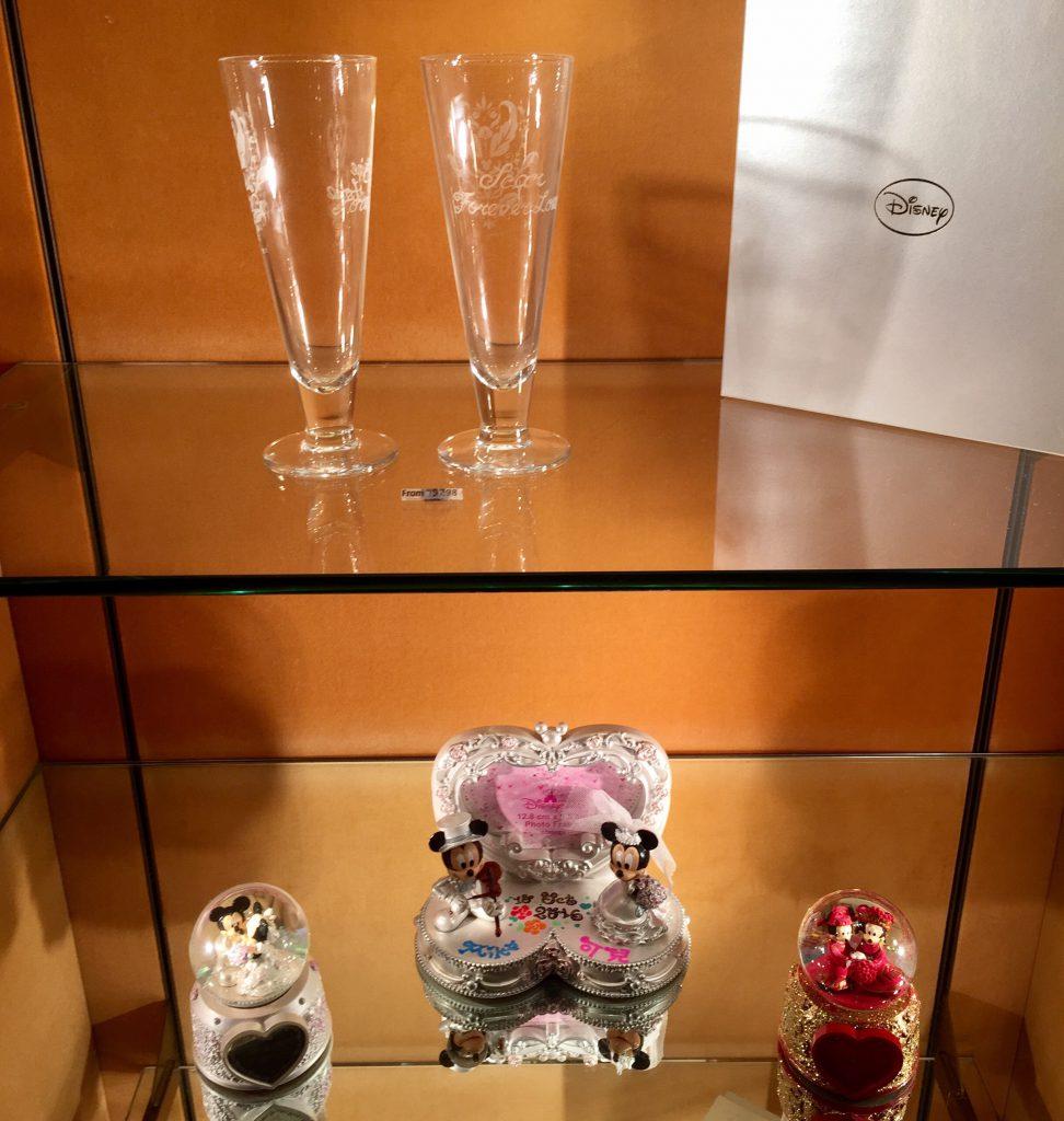 香港ディズニー 限定グッズ グラスと記念品