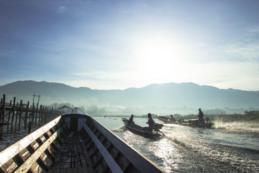 冬にオススメの海外旅行アジア編 ミャンマーのインレー湖