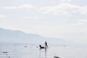 インレー湖のフィッシャーマン