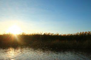 ミャンマーのインレー湖 夕日