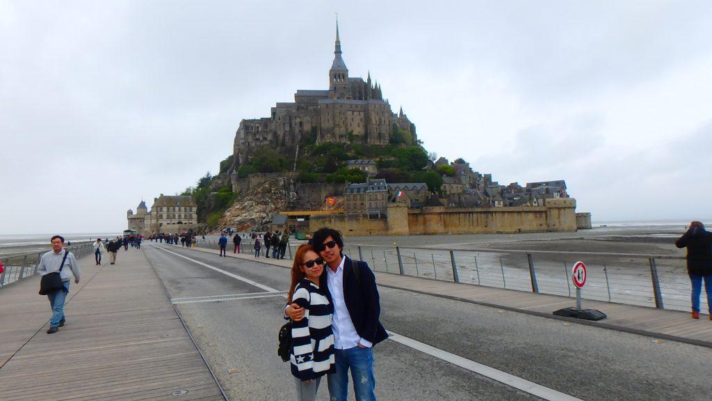 海外旅行での女性の服装 フランス モンサンミッシェル