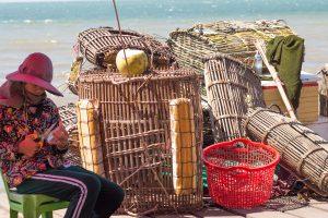 カンボジア ケップの名物 蟹の水揚げ