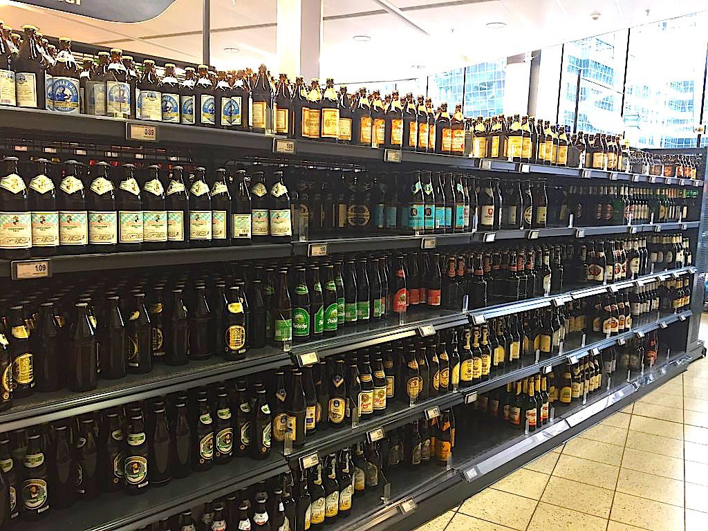 ミュンヘン空港内のスーパー ドイツビールのお土産