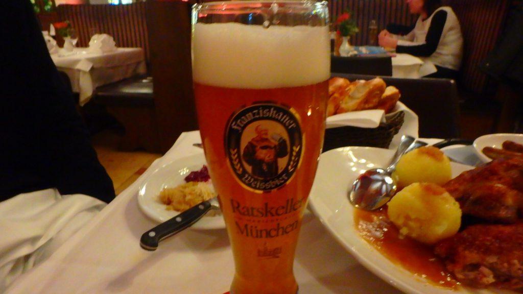 ミュンヘン名物 白ビールが美味しいレストラン