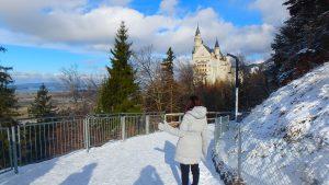 冬のノイシュヴァンシュタイン城とマリエン橋