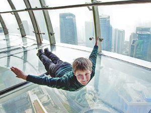 上海テレビ塔 オリエンタルパールタワーのスケルトン展望台