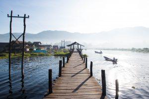 ミャンマーのインレー湖がおすすめ