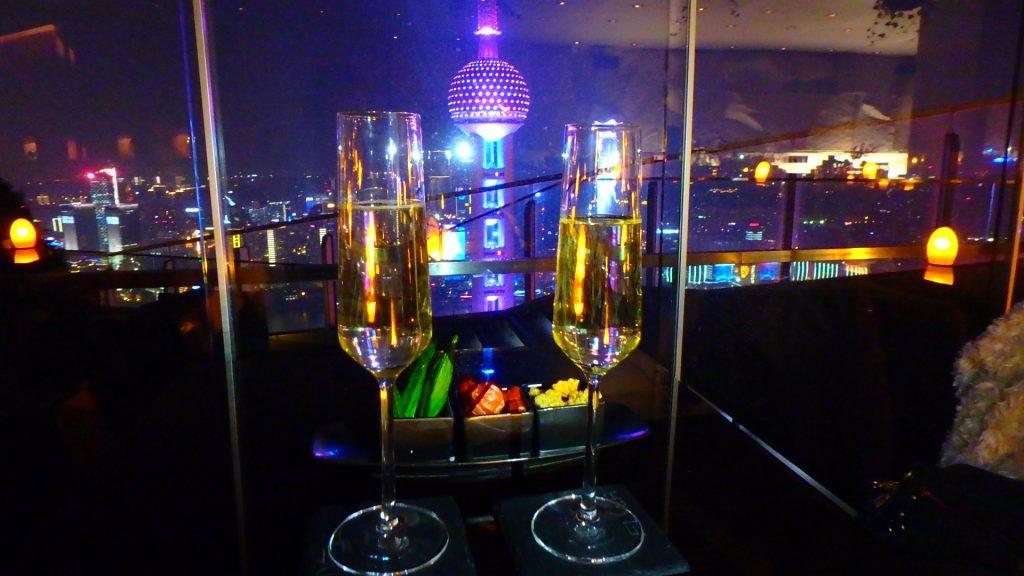 上海の絶景BAR テラス席のある夜景が綺麗なレストラン