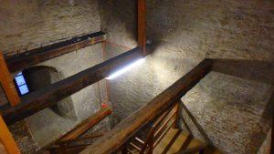 ミュンヘン 聖ペーター教会 展望台の階段 内部