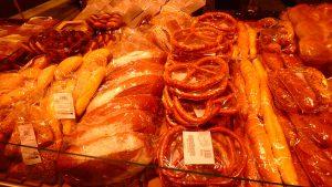 ザルツブルクのスーパー パンとプレッツェルが美味しい