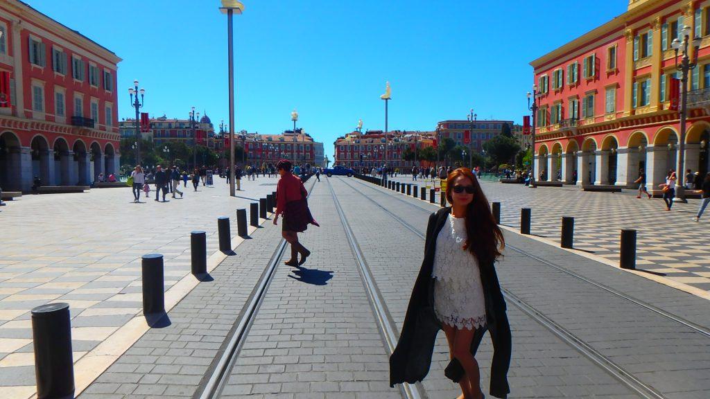 海外旅行での女性の服装 フランス ニース