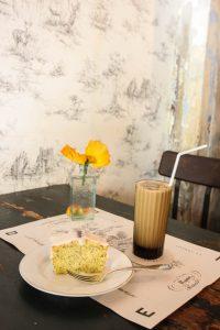 バンコクのカフェ EDEN'S レモンシフォンケーキ