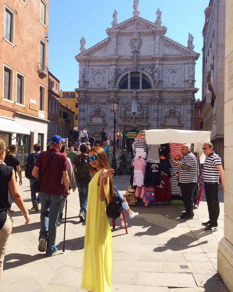 海外旅行の服装 イタリア ベネチア 女性のワンピース