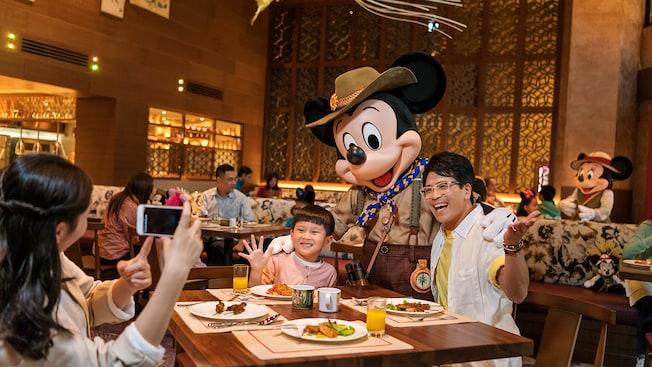 香港ディズニーホテル内 キャラクターに会えるレストラン
