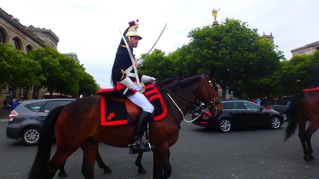 GW中のフランスの祝日 戦勝記念日のパレード