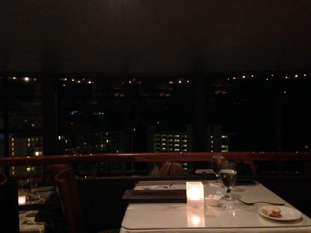 ワイキキの夜景が見える おすすめレストラン