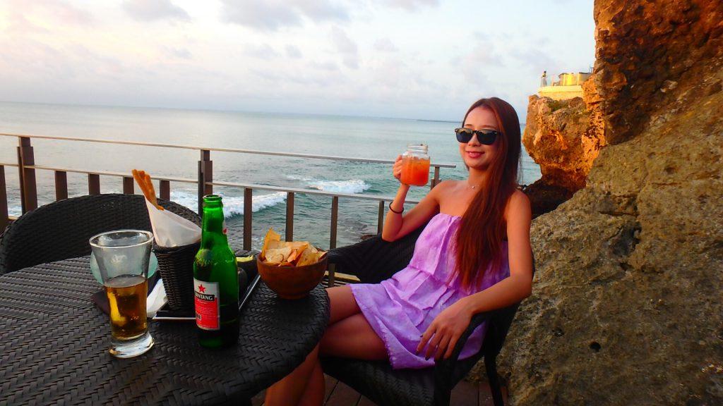 バリ島のBarでの服装 女性
