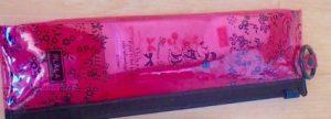 女子の海外旅行の持ち物 ハブラシと歯磨きセット
