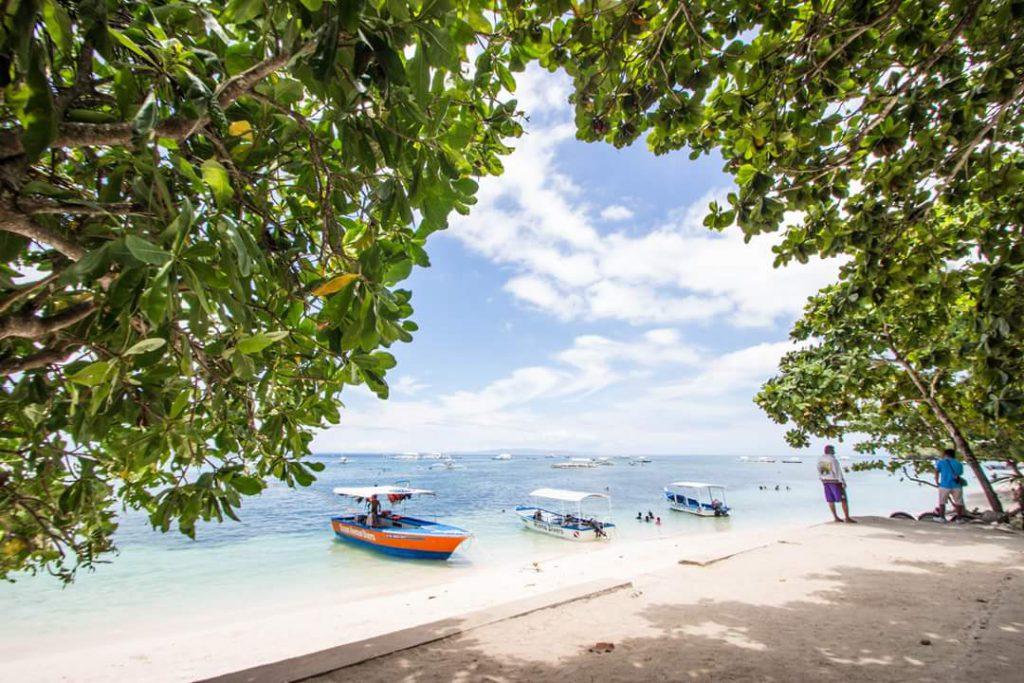 フィリピン旅行なら島を周遊するツアーがおすすめ
