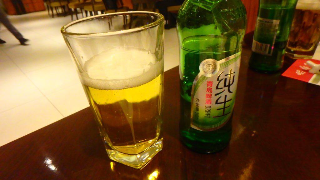 台湾の鼎泰豊本店 ビールで乾杯