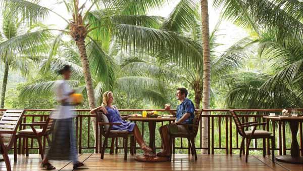 バリ島のおしゃれなレストラン フォーシーズンズホテル