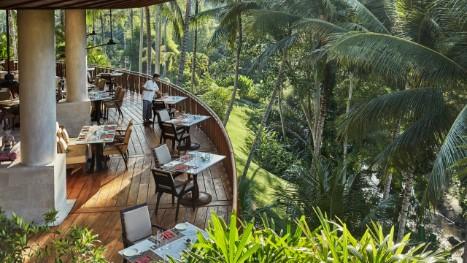 バリ島のおすすめレストラン テラス席 フォーシーズンズ