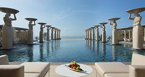 バリ島のおしゃれな高級レストラン オーシャンビュー