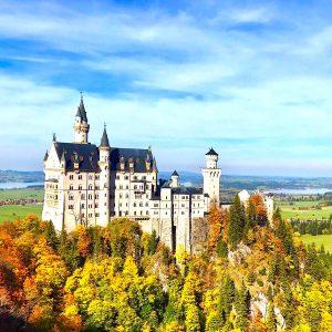9月・10月 ノイシュヴァンシュタイン城と秋の紅葉