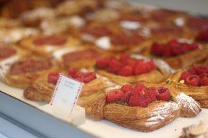 トロントの美味しいパン&ケーキ QUEEN STREET WEST