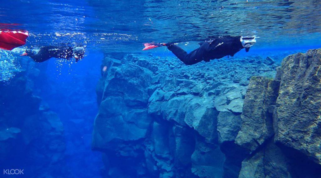 アイスランド シルフラの泉でシュノーケリング