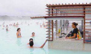 アイスランド ブルーラグーンのBar 温泉とお酒