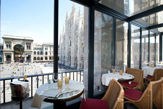 ミラノ ドゥオーモが見えるレストラン Giacomo Arengario