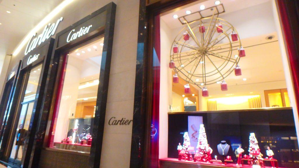 香港のクリスマスイルミネーション カルティエ