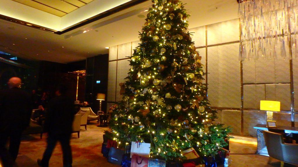 香港リッツカールトン クリスマス ロビー