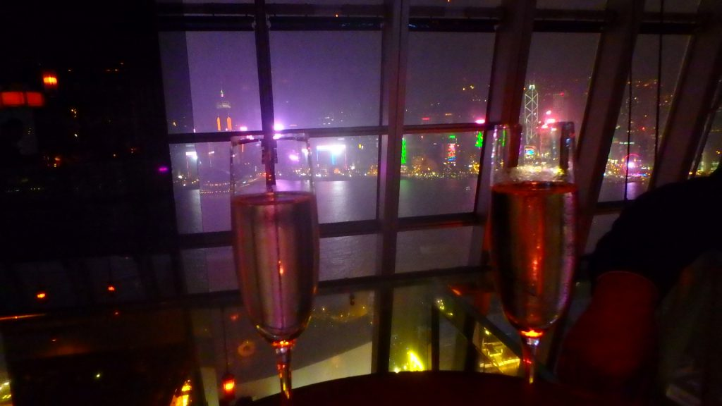 香港の人気Bar Aqua 100万ドルの夜景 クリスマス