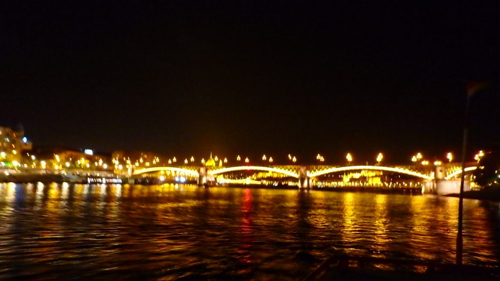 ブダペスト 夜景 ドナウ川クルーズ ブログ