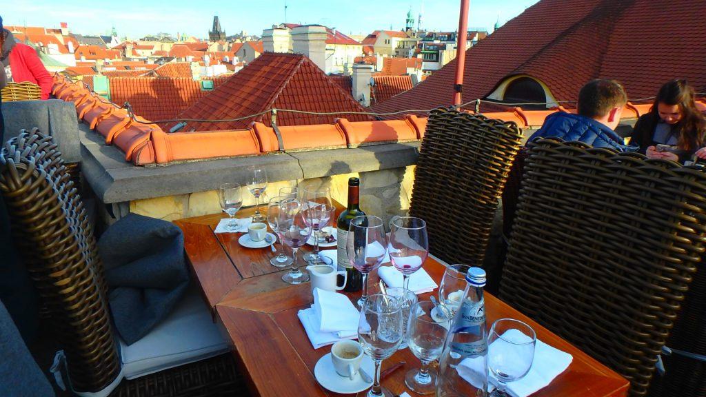 プラハのおすすめレストラン テラス席 TERASA