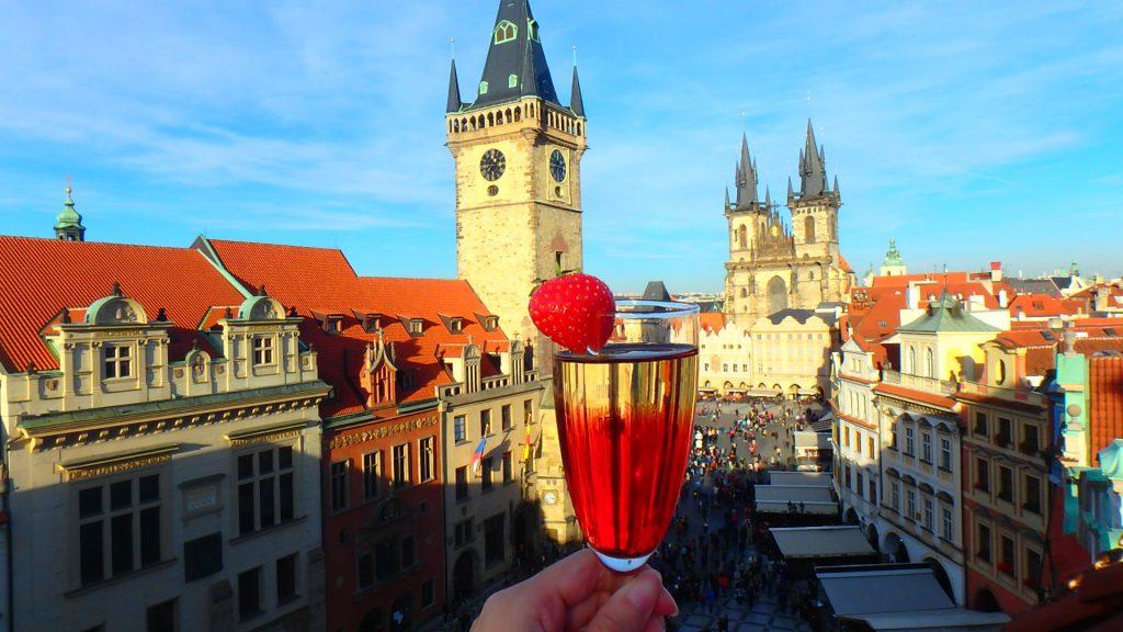プラハの旧市街が見えるレストラン&Bar ワイン