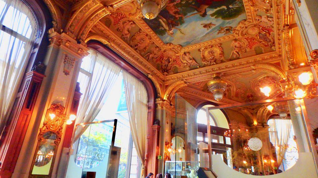 ブダペストのかわいいカフェ