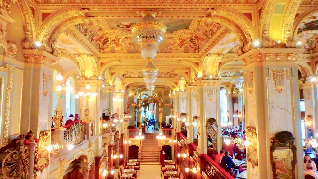 世界一豪華なカフェ ブダペスト