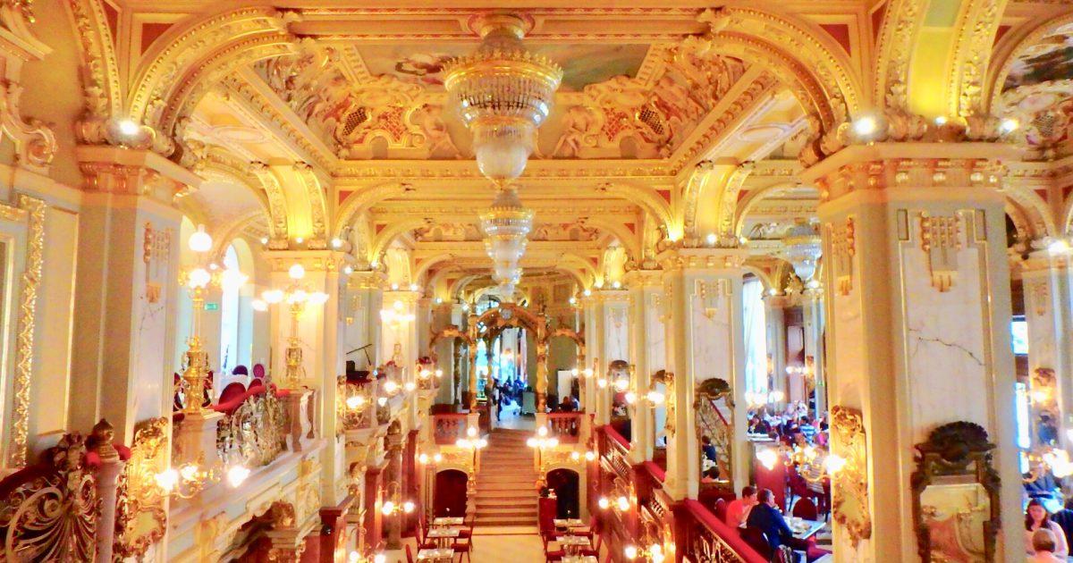 ハンガリー ブダペスト 世界一綺麗なカフェ