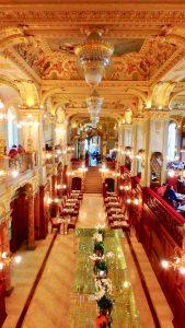 ハンガリー 綺麗すぎるカフェ