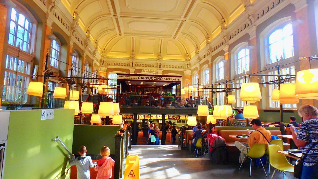 ハンガリーのおすすめ観光 世界一美しいマクドナルド