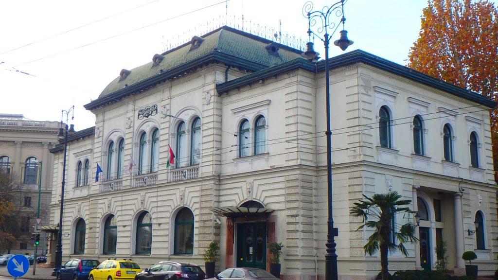 ハンガリー・ブダペストの最高級レストラン グンデル