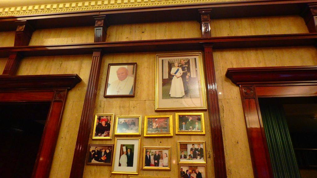 ハンガリーの最高級レストラン グンデル 著名人