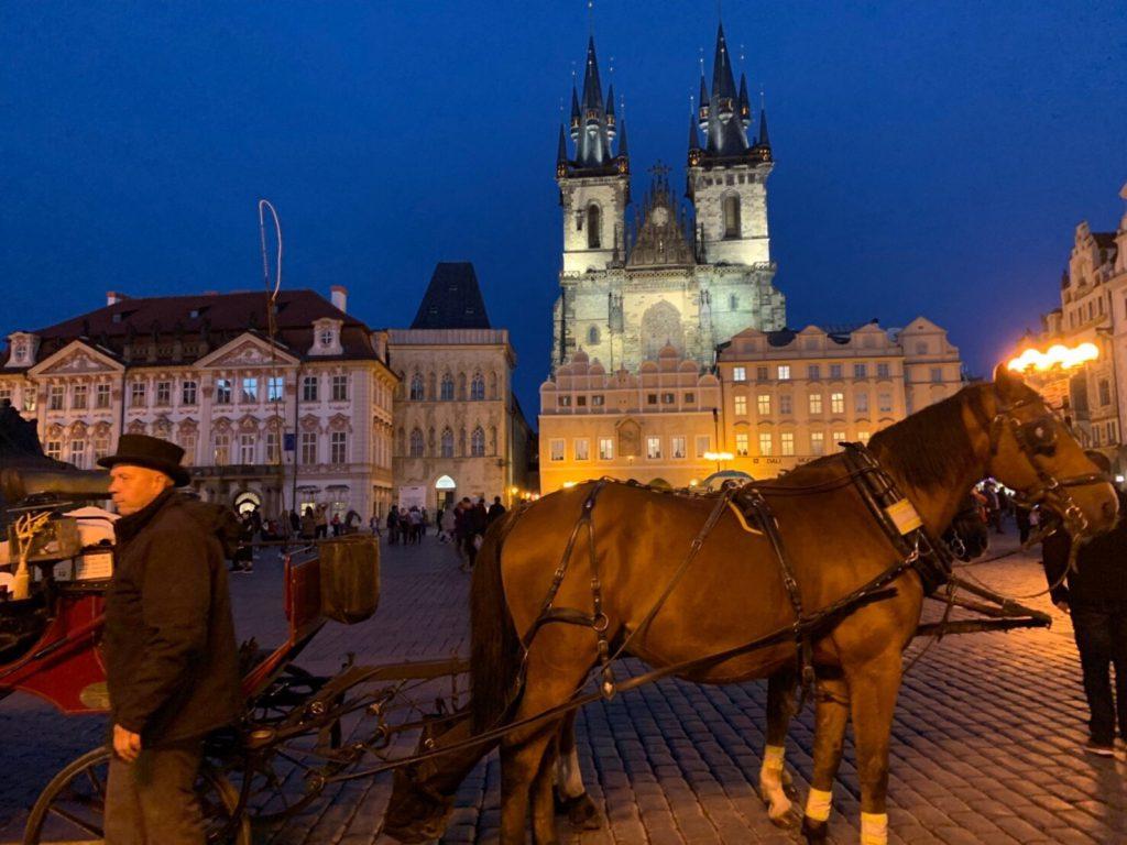 プラハ観光 夜の旧市街広場 女子旅ブログ